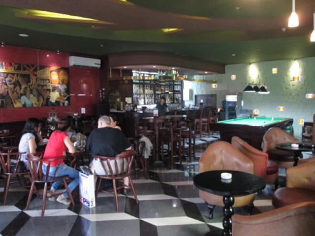 Sang quán cafe - bar 214 Trần Quang Khải, Q1