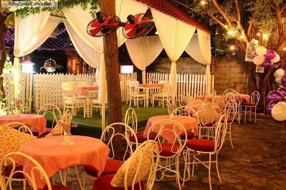 Sang quán cafe sân vườn, máy lạnh view đẹp, nhạc Acoustic