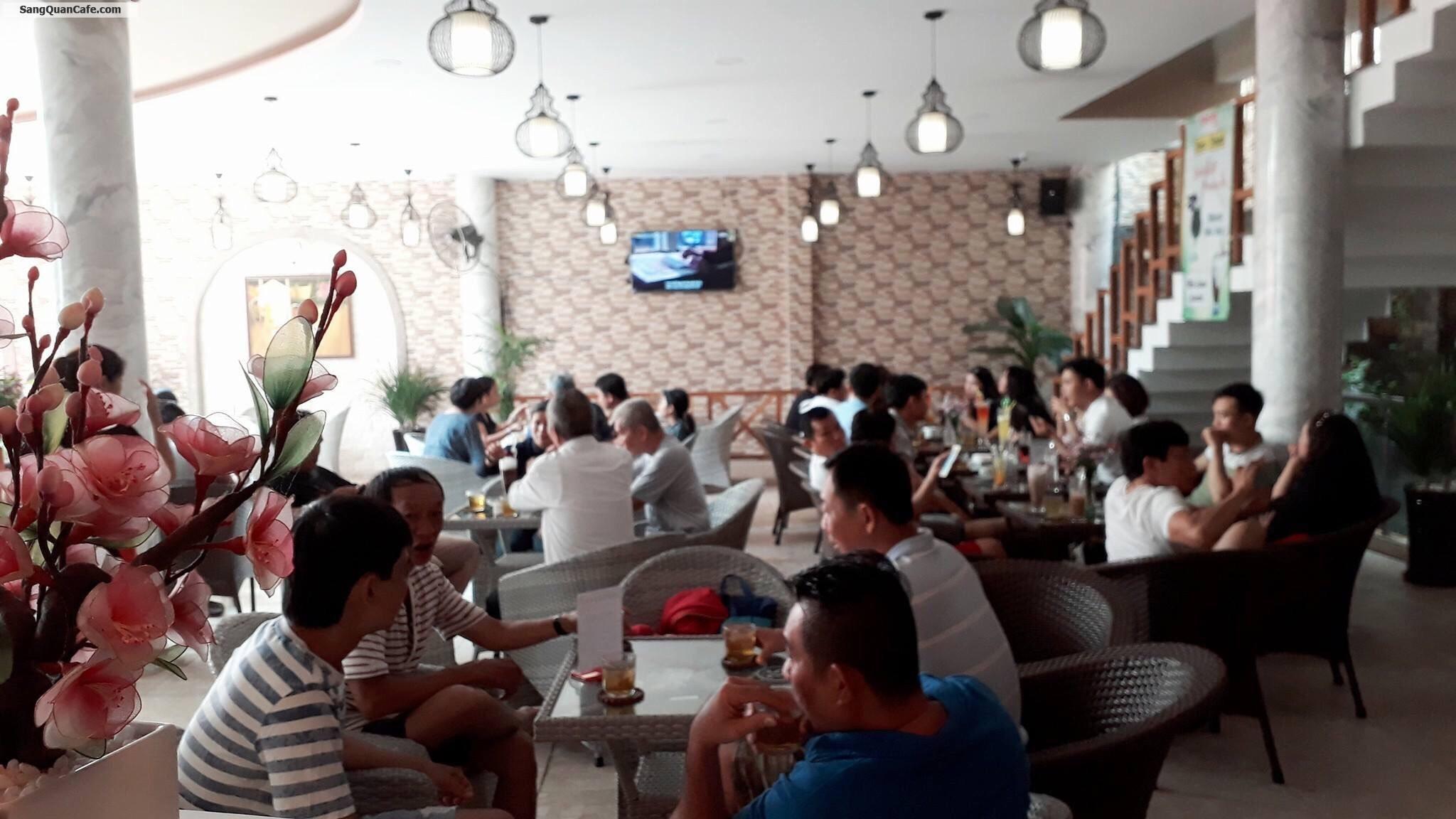 Cho thuê hoặc sang quán cafe cá Koi quận 11