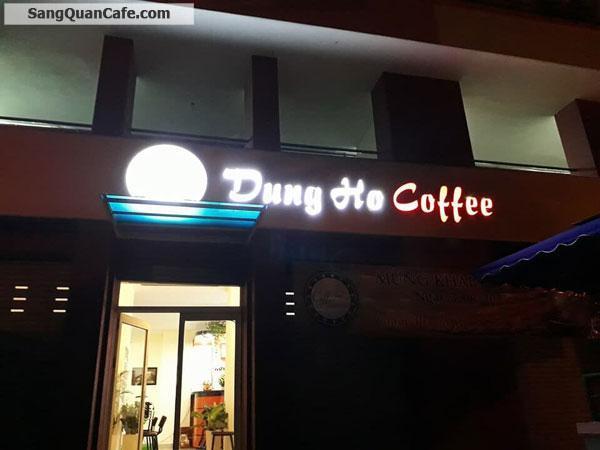Sang quán cafe nhạc aucoutic ngay góc khu dân cư Conic
