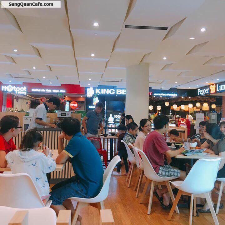 Sang quán cafe trung tâm khu ẩm thực quận 7