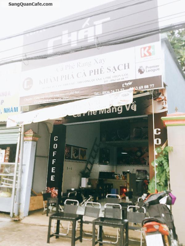 Sang quán cafe Ghế Gỗ  ngay ngã ba Cây Điệp