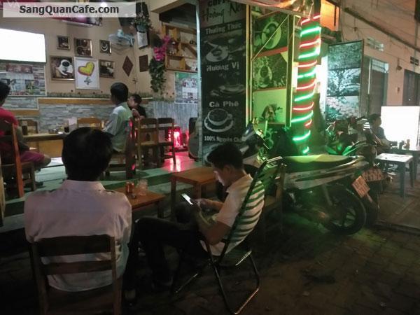 Sang quán cà phê ghế gỗ ang kinh doanh tốt