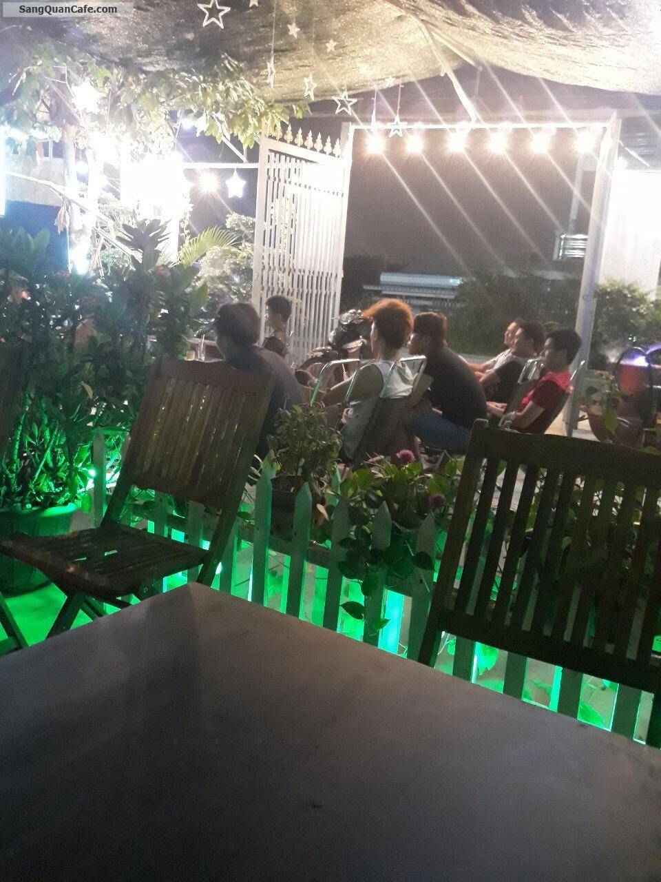 Bận việc gia đình cần sang quán Cafe sân vườn rộng rãi