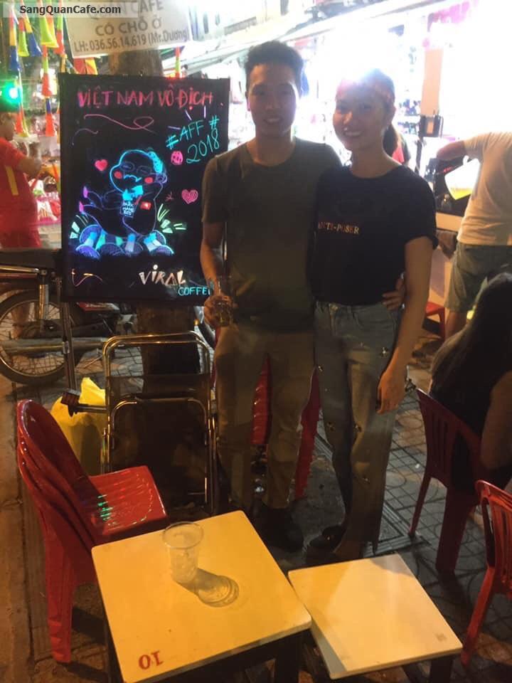 Sang quán cafe ngay ngã tư Dễ gây chú ý