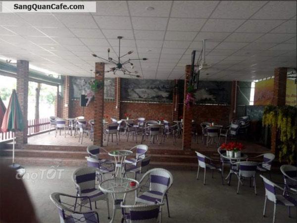 Cần vốn làm ăn nên sang quán cà phê hát với nhau.