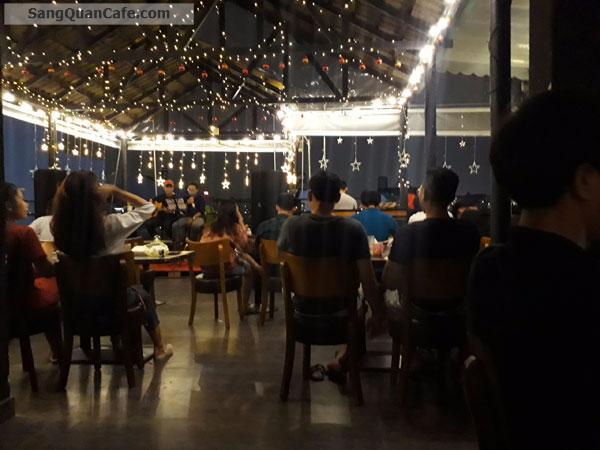 Sang gấp quán cafe Khu vực ăn uống của SV trường ĐH Công Nghiệp