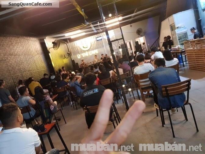 Sang quán Ừ Thì Cafe Live Music  đông khách