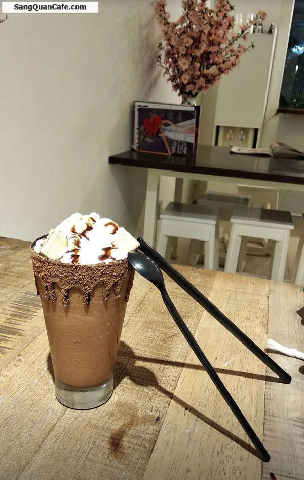 Sang Quán Cafe View Tầng 2 Mặt tiền Phố đi bộ Nguyễn Huệ