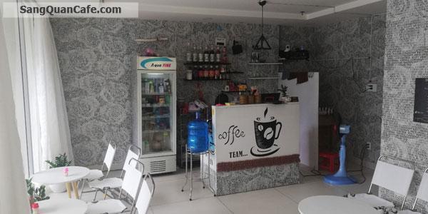 Sang quán cafe trung tâm quận 4