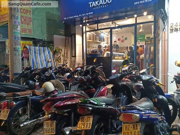 Sang quán cafe thương hiệu Takadu ngay vòng xoay Dân Chủ