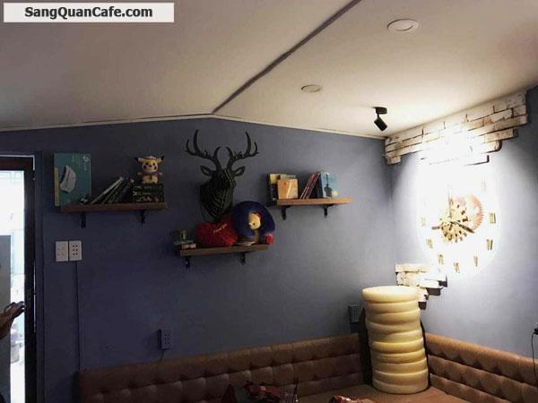 Sang quán cafe đang hoạt động tốt ở Phú Nhuận