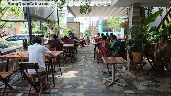 Sang quán cafe trước mặt chung cư 4S