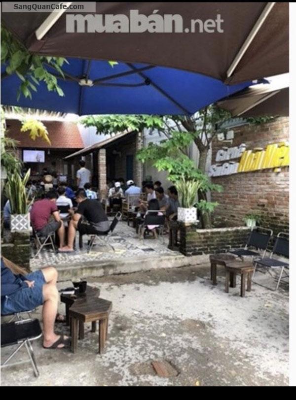 Sang quán cafe, vỉa hè rộng, chỗ để xe thoải mái