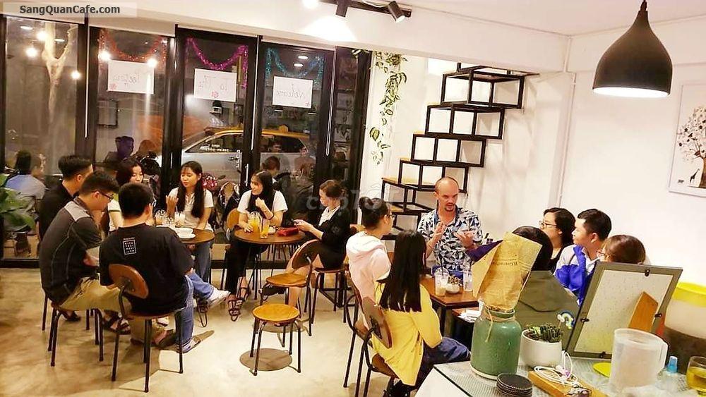 Cần sang quán cà phê gần trường đại học ngoại ngữ