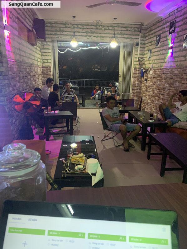 Sang quán cafe đối diện công viên Phú Lâm