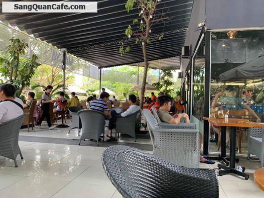 Sang quán cà phê 3 mặt tiền gần 300m2