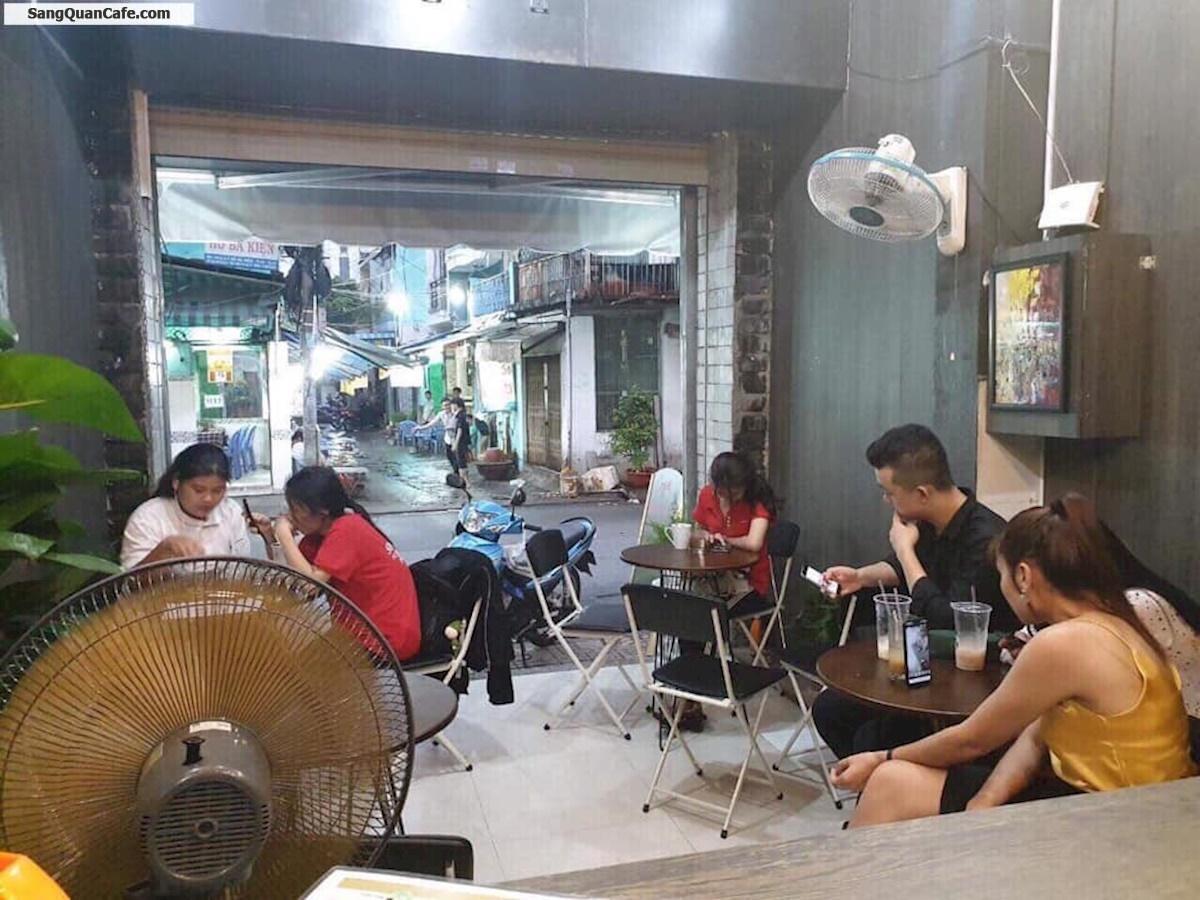 Sang quán cà phê mặt tiền trung tâm quận 10