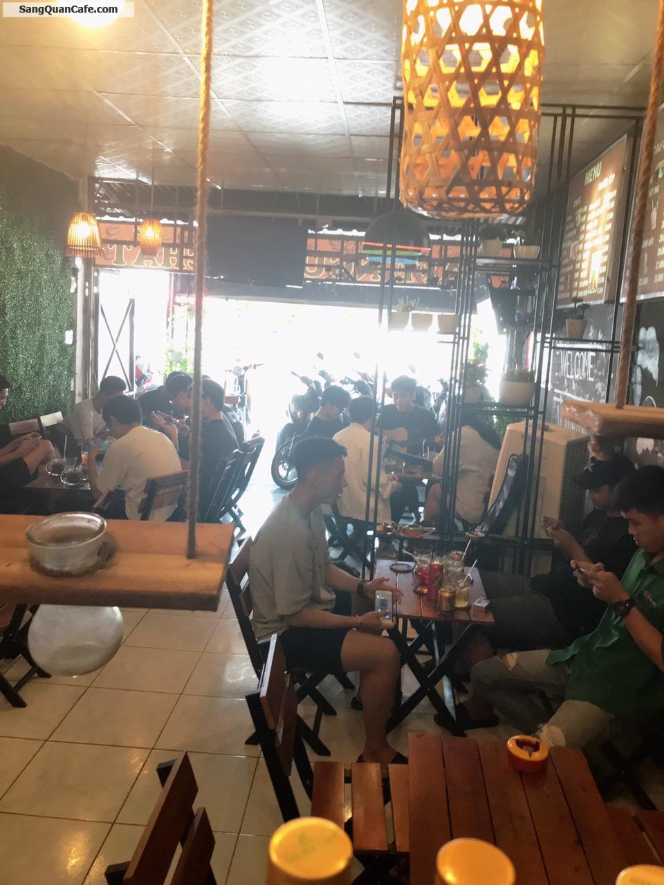 Sang Cafe mặt bằng đẹp đông khách doanh thu