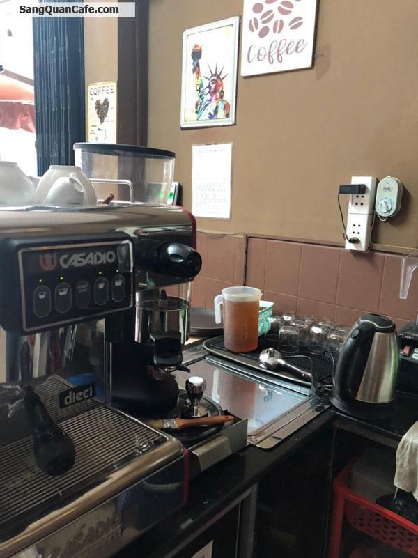 Sang Cafe Ghế Gỗ đang kinh doanh tốt