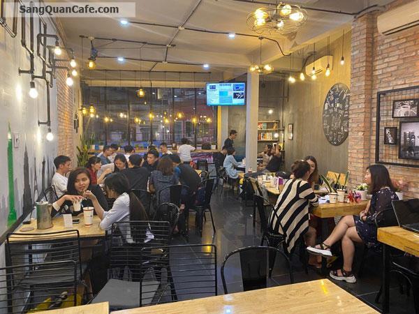 Sang quán cafe vị trí kinh doanh thuận lợi