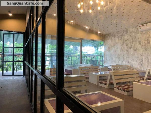 Cần sang gấp quán café Highlight Coffee & Tea
