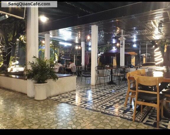 Sang quán cafe đối diện trung tâm văn hoá