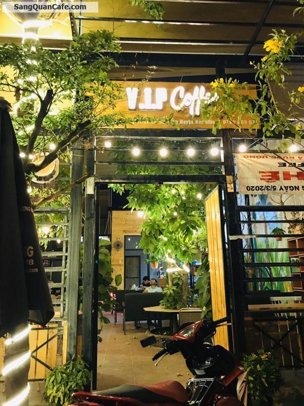 Sang quán Cafe Sân vườn gốc ngã tư