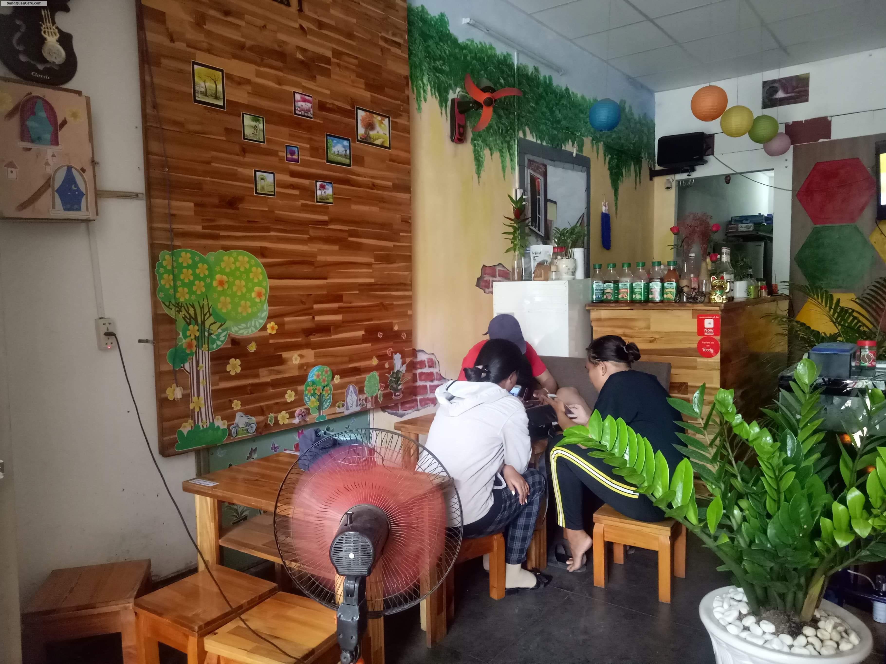 Cần sang quán cà phê khu sinh viên