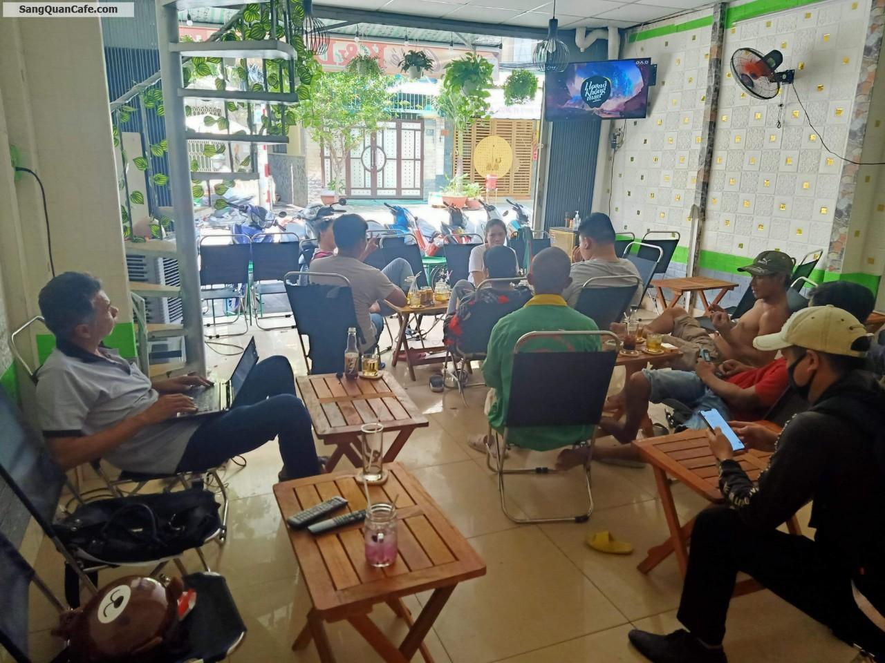 cần sang quán cafe mặt bằng đẹp đông dân cư qua lại