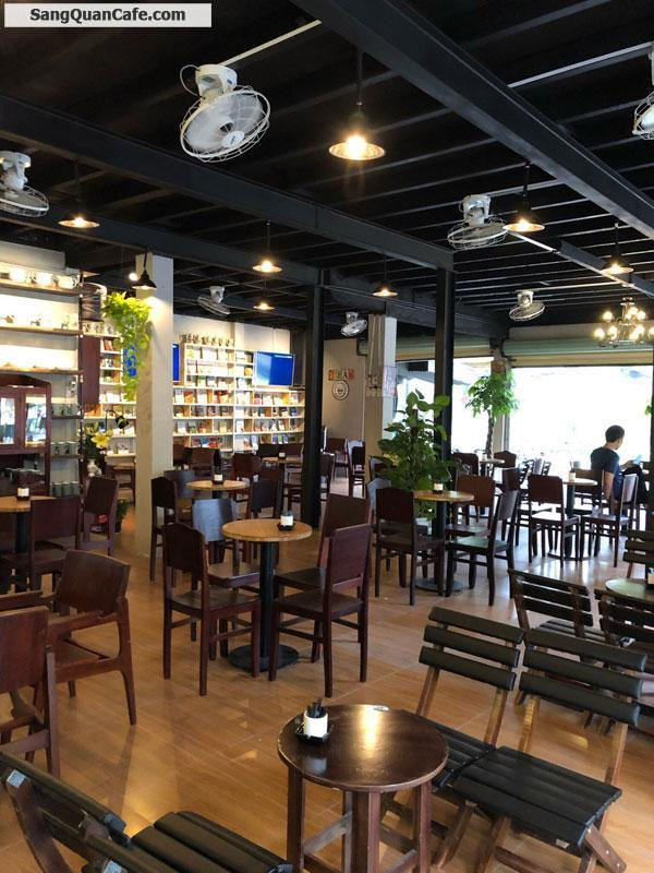 Cần nhượng lại tiệm cafe vị trí cực đẹp góc 2 mặt tiền