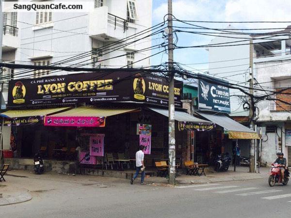 Sang quán cafe đang kinh doanh ổn định.