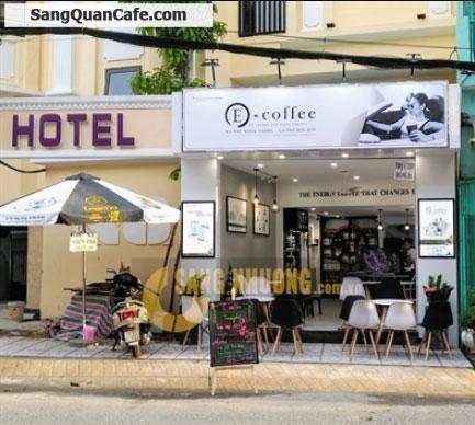 Sang quán cafe nhượng quyền thương hiệu nổi tiếng.
