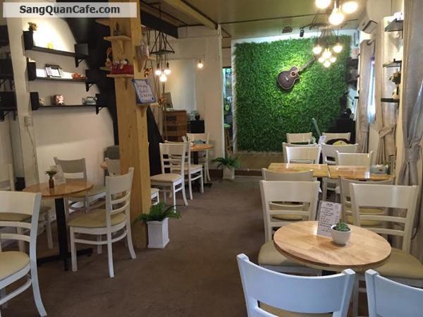 Cần Sang quán cafe cơm văn phòng, đang đông khách.