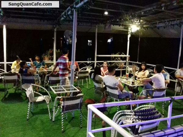 Cần sang Quán cafe Sân Vườn, Câu cá sông giải trí