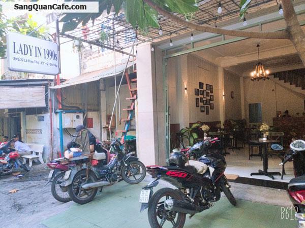 Cần sang quán cafe, thiết kế theo phong cách cổ điển