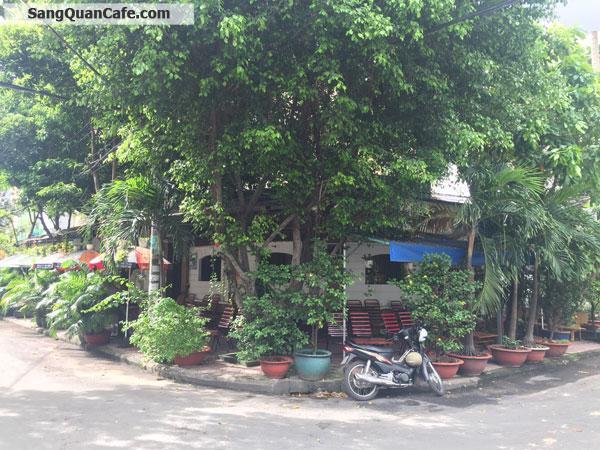 Sang quán cafe góc ngã tư quận Tân Phú