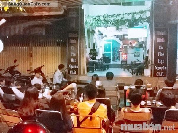 Quán cafe ghế gỗ mặt tiền đường D2