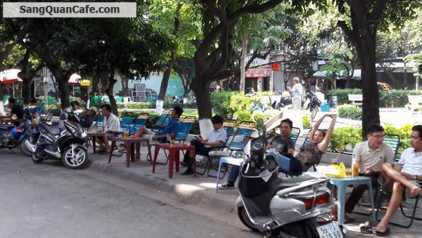 Sang 2 quán cafe liền kề đối diện công viên