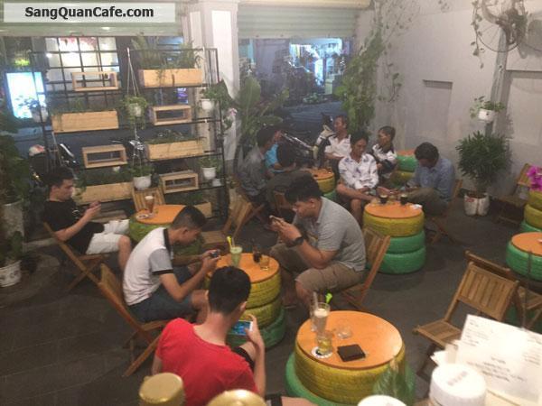 Sang Cafe Góc 2 MT rộng 200 m2 , vị trí đẹp