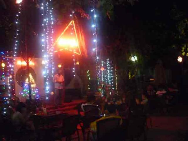 Sang Gấp Quán Cafe  Sân Vườn Hát Với Nhau