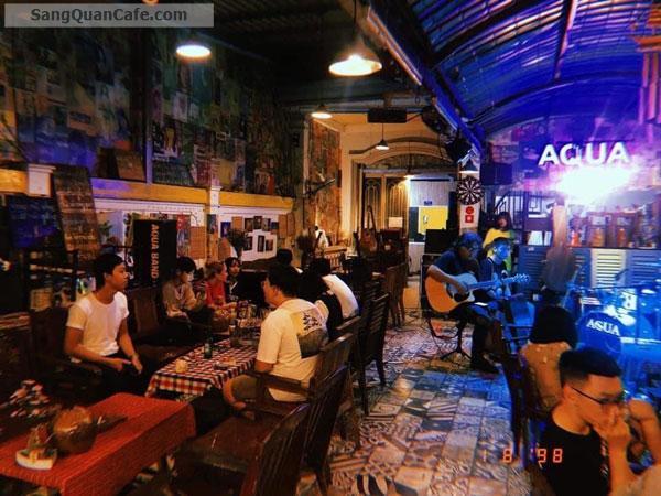 Sang Gấp Quán Cafe Đang Đông Khách Tại Quận 7