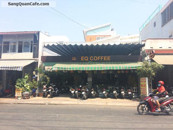 Sang gấp quán cafe kinh doanh tốt ngay ngã 5