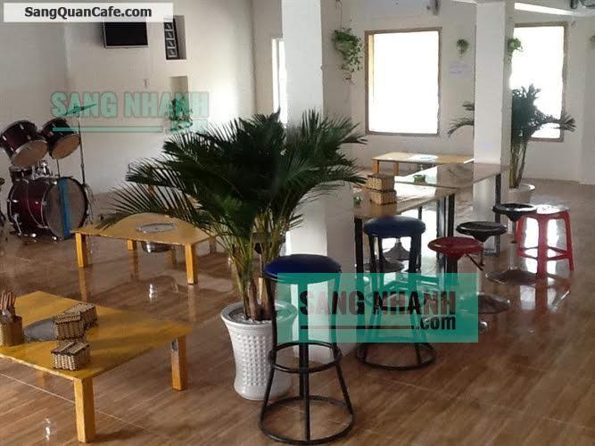 Sang quán Cafe sân vườn máy lạnh quận Tân Phú