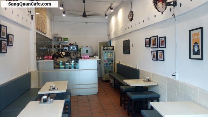 Sang mặt bằng quán cafe + quán ăn quận 1