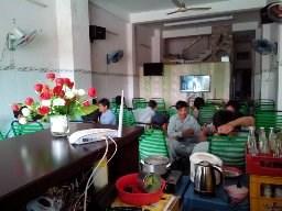 Sang quán cafe chiếu phim Màn hình 120 inch