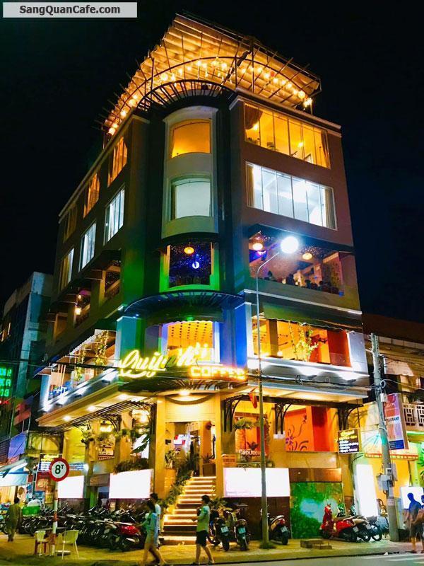 Sang quán café  Quỳnh góc Hai Bà Trưng - Ngô Quyền