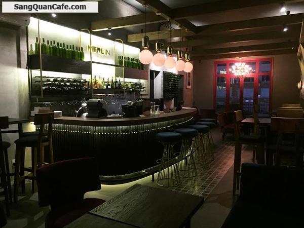 Sang quán cafe and wine đường Nguyễn Huệ