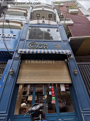 Sang quán cafe bar ngay ngã tư Út Tịch