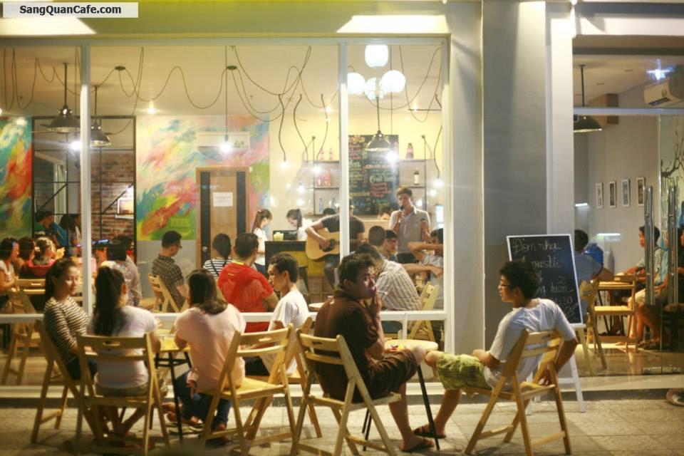 Sang quán cafe chung cư Hoàng Hoa Thám